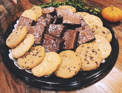 Lil Lee's Catering Cookie Brownie Tray